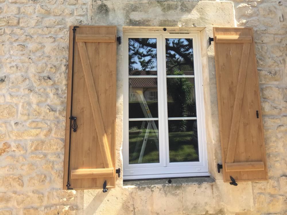 Pose de fenêtres à Poitiers - Fenêtres bois alu et pvc - menuiserie vriet et fils