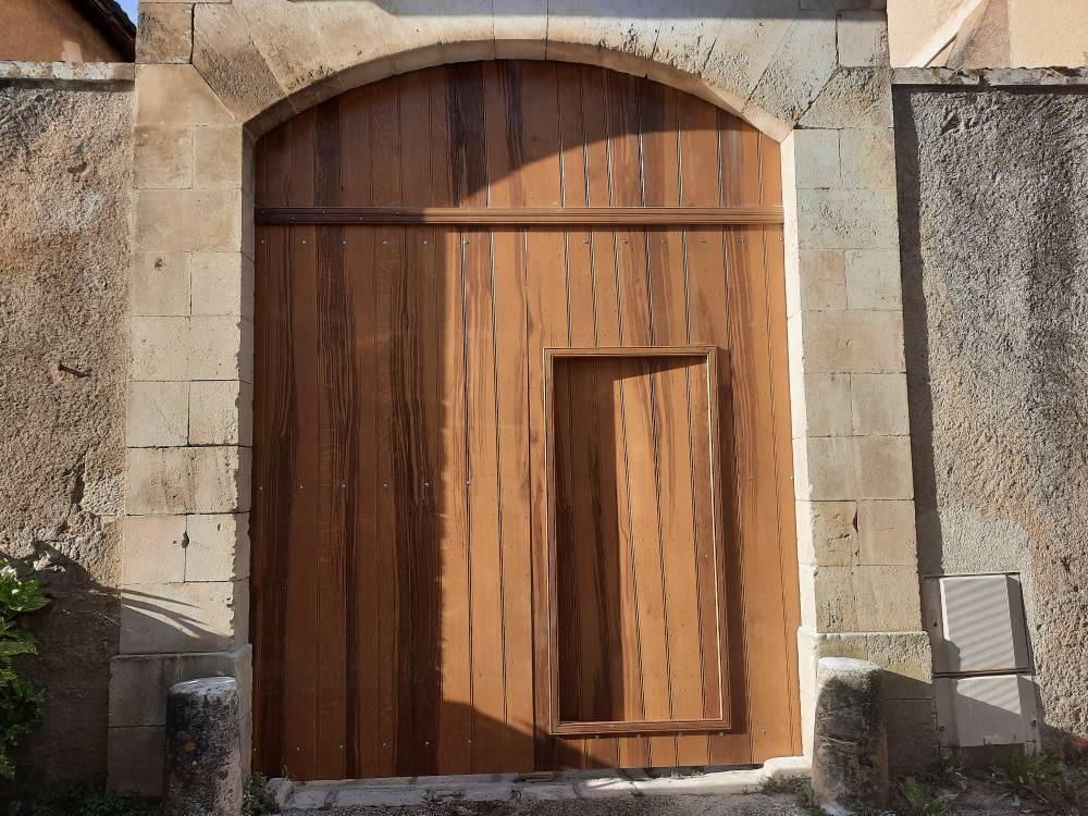Porte de grange Menuiserie Vriet Poitiers